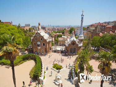 Skip the Line: Park Güell and La Sagrada Familia Tour in Barcelona