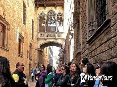 Old Town and Gòtic Quarter in Barcelona: Private Guided Walking Tour