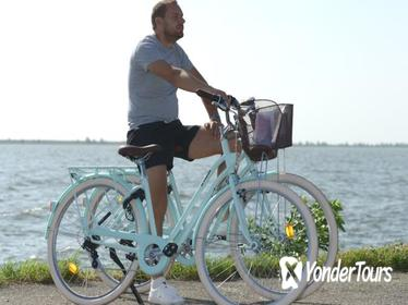 Bike rental Volendam and One-day bus ticket Amsterdam Region