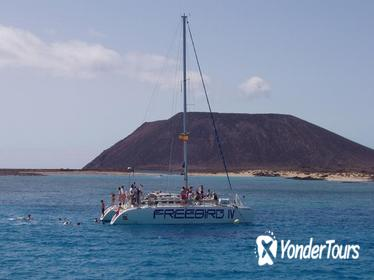 5-hour Lobos Island Catamaran Cruise from Fuerteventura