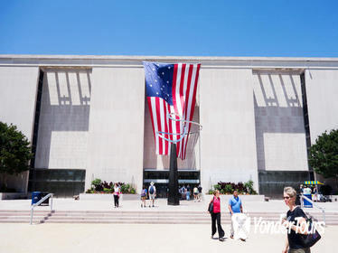 Small Group Guided Tour: Smithsonian National Museum of American History